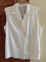 New with Tag Beautiful 100% Silk Blouse in Naperville, Illinois
