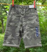 NWT GAPKIDS BOYS ADJUSTABLE WAIST CAMOUFLAGE DENIM SHORTS CAMO GREEN sz12 in Joliet, Illinois