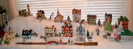 Dickensvale Porcelain Christmas Village.  13 lighted houses and accessories. in Aurora, Illinois