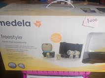 Medela Freestyle Hands-Free Breast Pump in Algonquin, Illinois