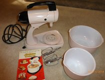 VINTAGE 1950s PINK SUNBEAM STAND MIXER in Shorewood, Illinois
