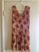 Womens gently worn clothing in 29 Palms, California