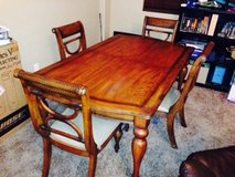 dinning room table and chairs didn't use in great condition. in Davis-Monthan AFB, Arizona