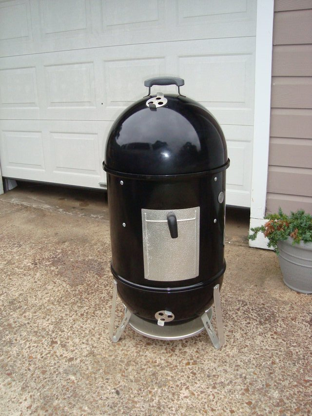 weber smokey mountain cooker. Black Bedroom Furniture Sets. Home Design Ideas