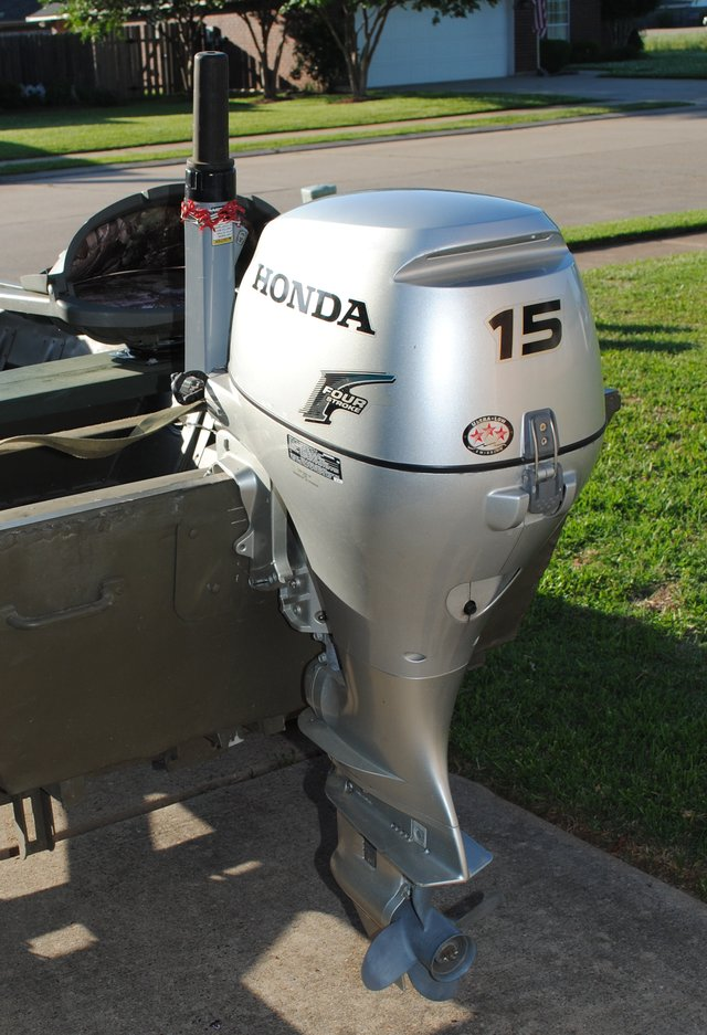15 hp honda 4-stroke outboard motor for sale